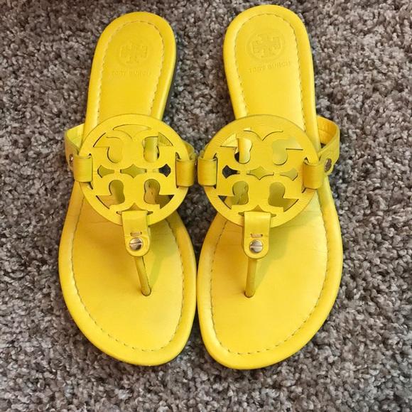 ad0ff0499 ... yellow Tory Burch sandals size 7. M 5b410f4ba5d7c6f1a4f1ed3c